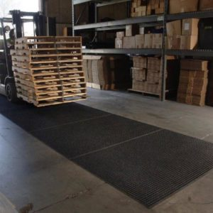 lift-truck-mats-application-shot