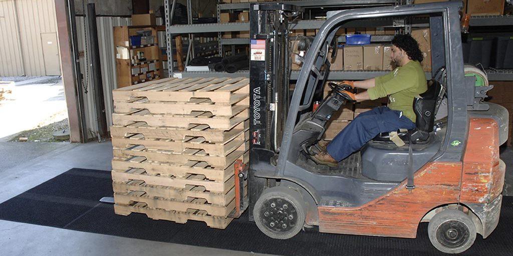 wh-lift-truck-3.jpg2